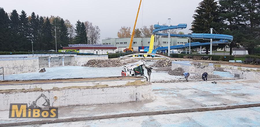 demolice aquaparku v Ústí nad Orlicí
